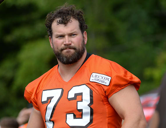 Former NFL star Joe Thomas is totally unrecognizable