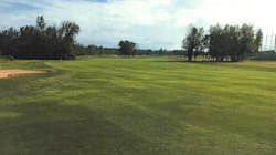 Une industrie verte complique la transformation du golf d'Anjou en