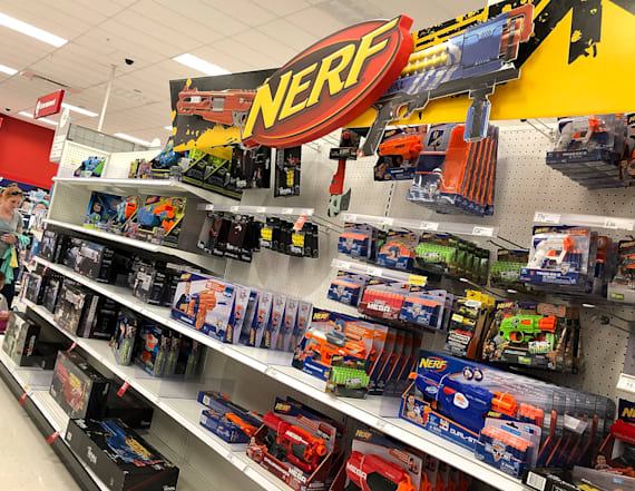 US toymaker to lay off hundreds
