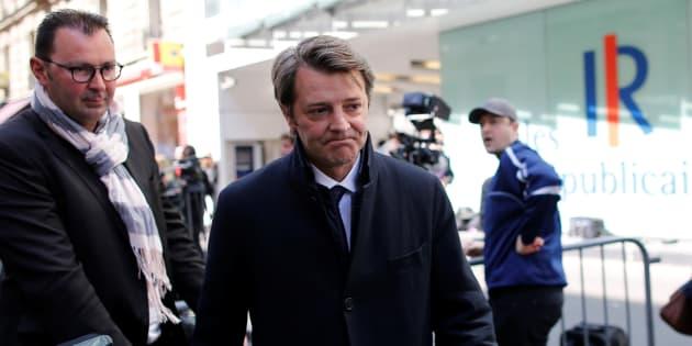 François Baroin vole au secours de Valls pour critiquer Macron et mettre en garde les siens contre toute tentative de ralliement.