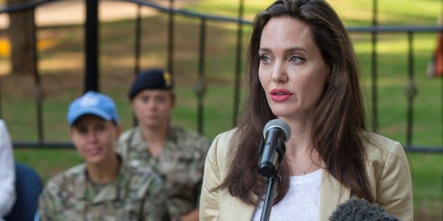"""""""First they killed my father"""": Angelina Jolie réfute la version de """"Vanity Fair"""" sur des méthodes """"cruelles"""" de casting"""