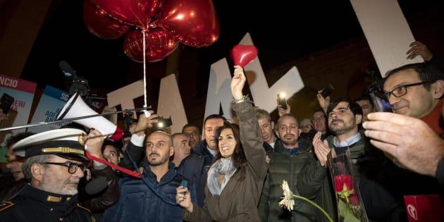 La manifestazione a Roma a favore di Virginia Raggi non fa i