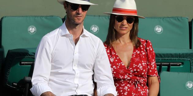 À Roland-Garros, Pippa Middleton et son mari James Matthews en amoureux dans les gradins