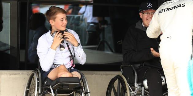 Billy Monger rencontre Lewis Hamilton, le 16 juillet 2017.
