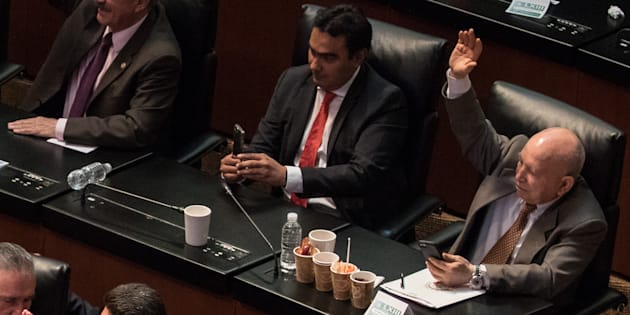 Un cafecito (o varios) para estar despierto durante las sesiones del Senado.