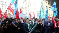 Sindacati tornano in piazza: Cgil, Cisl e Uil uniti contro la manovra. Lunedì l'incontro con il