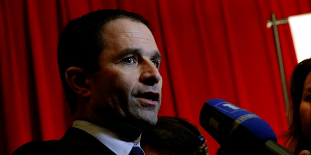 Hamon ou la France en crise cardiaque.  REUTERS/Christophe Ena/Pool