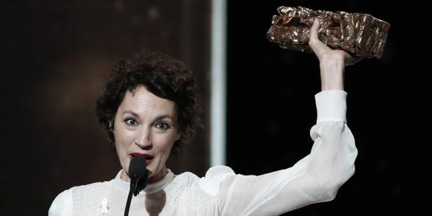 Jeanne Balibar recevant son Césarà Paris le 2 mars 2018.