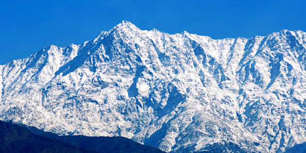 Fresh Snowfall In Kashmir, Srinagar-Leh Highway And Mughal Road Closed