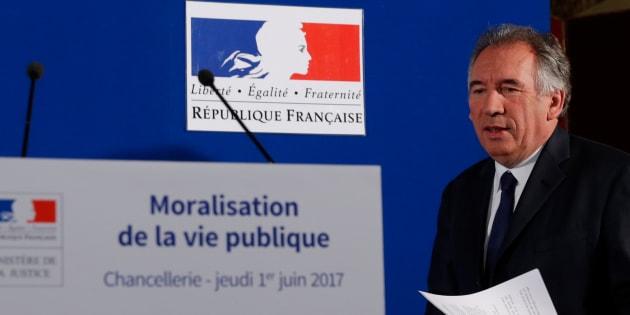 """Bayrou annonce la création d'une """"banque de la démocratie"""" pour financer les campagnes électorales"""