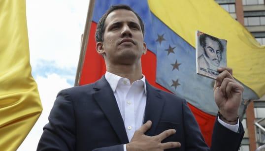VENEZUELA IN FRANTUMI - Guaidò si autoproclama presidente e Trump e l'Osa lo riconoscono. Ma Maduro