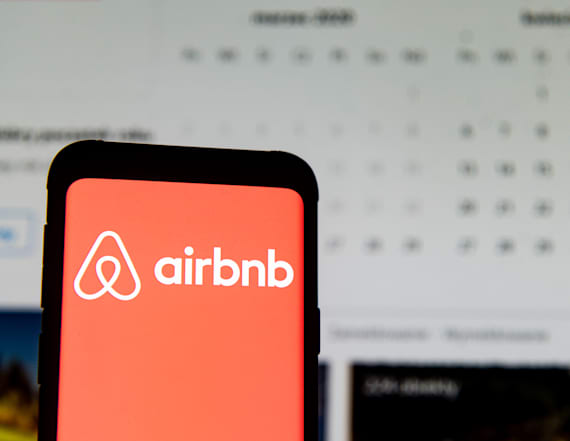 Airbnb plans to confidentially file for IPO