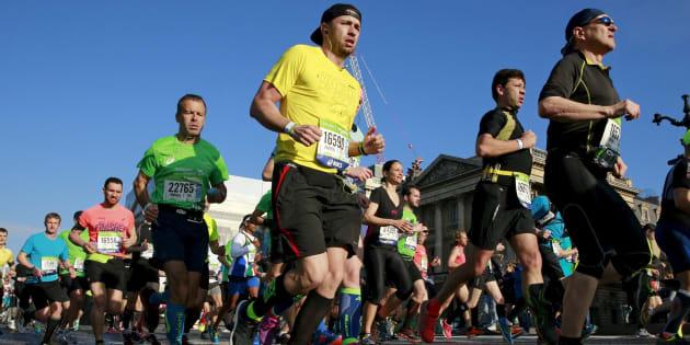 Marathon de Paris: les coureurs sont-ils masos?