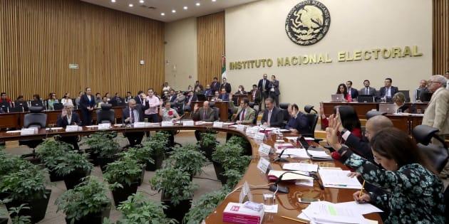 Sesión del Instituto Nacional Electoral (INE).
