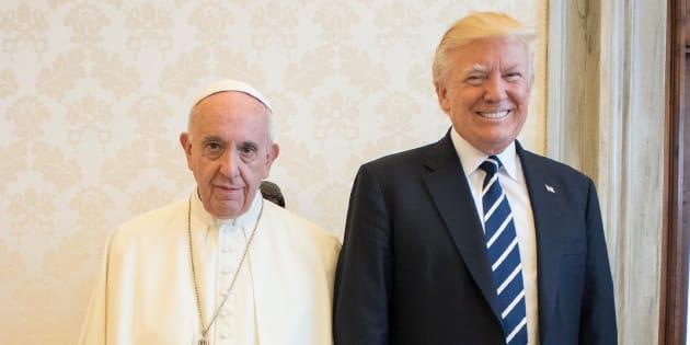 Donald Trump y el papa Francisco, el 24 de mayo de 2017 durante una audiencia en el Vaticano.