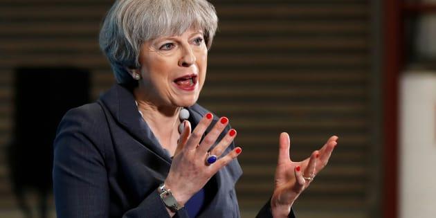 """Theresa May dit avoir eu """"les couilles"""" de convoquer les élections législatives."""