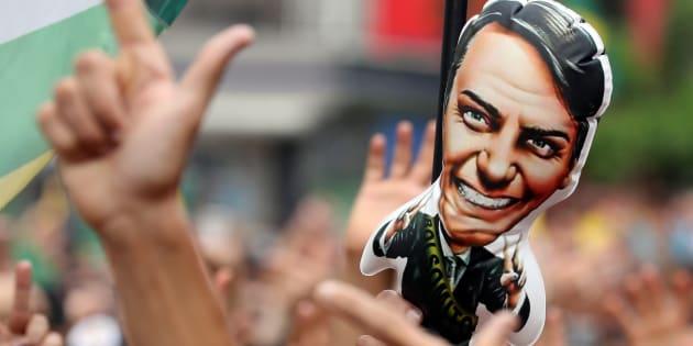 Cientista político considera Bolsonaro um candidato de extrema direita.