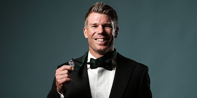 SYDNEY, AUSTRALIA - JANUARY 23:  David Warner poses after winning the Allan Border Medal during the 2017 Allan Border Medal at The Star on January 23, 2017 in Sydney, Australia.  (Photo by Mark Metcalfe/Getty Images)