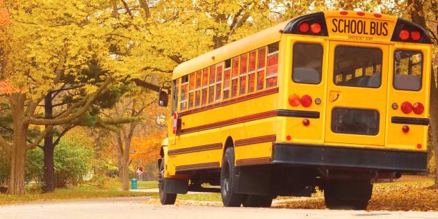 Une piétonne meurt happée par un autobus scolaire