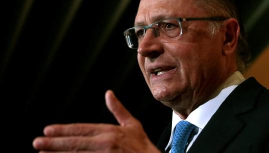 Alckmin promete transformar carreira de professor em uma das mais desejadas pelos