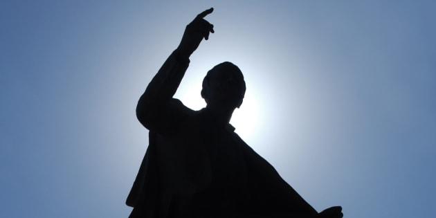 Entre un musulman radical, un radical d'extrême gauche et un radical d'extrême droite, qu'y a-t-il de commun?