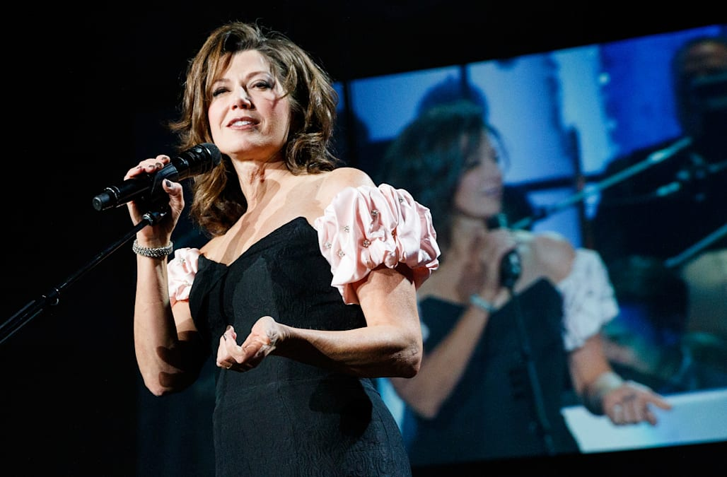 amy grant is caroling her way right back into our hearts this holiday season the grammy award winning singer dropped a brand new christmas album