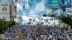 Bloquean vías en Venezuela en respuesta a propuesta de Constituyente de
