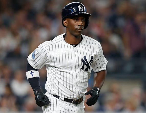 Outfielder Andrew McCutchen agrees to 3-year deal