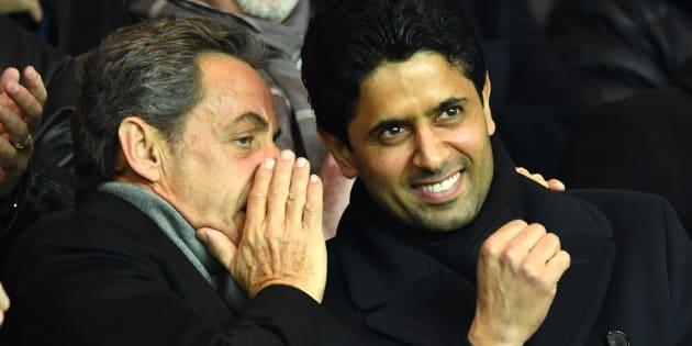 Nicolas Sarkozy, ici à côté du président du Paris Saint-Germain, Nasser al-Khelaïfi est au cœur des réseaux concernés par l'arrivée d'Accor sur le maillot du PSG.