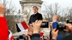 En s'emparant de la République, Mélenchon met la pression sur son rival