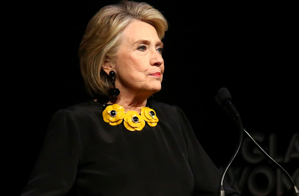 Hillary Clinton tweets report that saus Russian campaign helped elect Trump