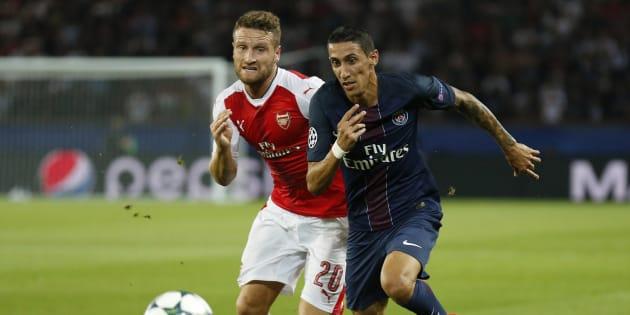 Shkodran Mustafi et Angel Di Maria lors de PSG-Arsenal le 16 septembre 2016.