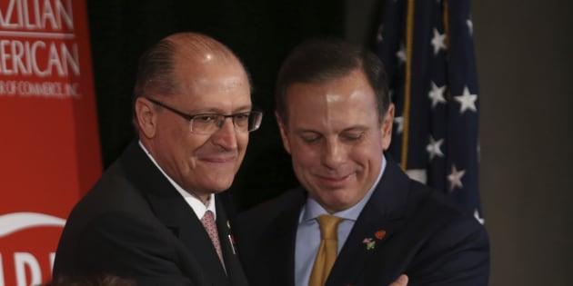 Geraldo Alckmin e João Doria disputam internamente a vaga de candidato a Presidência em 2018.