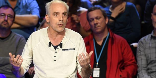 Philippe Poutou lors d'un débat de l'entre-deux-tours à La Plaine Saint-Denis, près de Paris, le 4 avril.