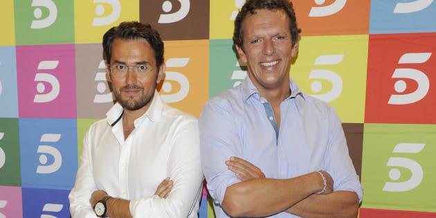 Los presentadores Màxim Huerta y Joaquín Prat, durante el fin de temporada de 'El programa de Ana Rosa' el 6 de julio de 2011.