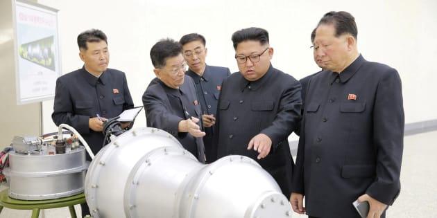 O líder norte-coreano Kim Jong-un dá instruções para programa de armas nucleares.