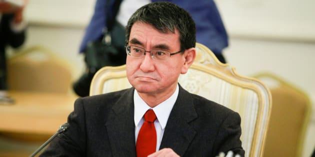 ロシアのラブロフ外相との会談に臨む河野太郎外相=1月14日、モスクワ