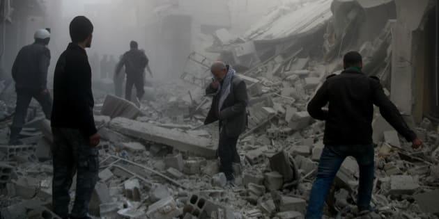 Erdogan bombarda le truppe di Assad che entrano a Afrin. Str