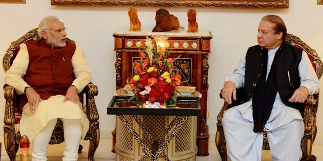 LAHORE, PAKISTAN - DECEMBER 25: Prime Minister of Pakistan Nawaz Sharif (R) meets with Indian Prime Minister Narendra Modi (L) in Lahore, Pakistan on December 25, 2015. (Photo by Pakistan Information Department/Anadolu Agency/Getty Images)