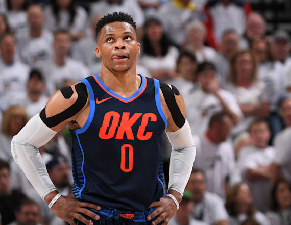 Mitt Romney heckled Russell Westbrook at game