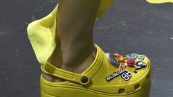 La versione delle Crocs che Balenciaga porta in passerella sta dividendo il mondo della