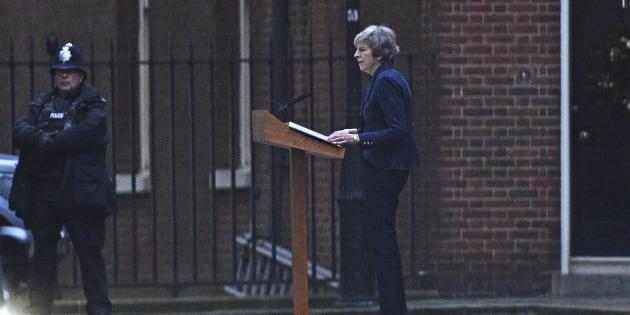 Theresa May menacée part un vote de défiance des conservateurs