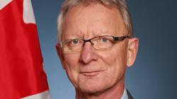 Un sénateur défend son adhésion à des groupes Facebook hostiles à