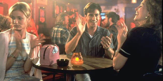 """In """"My Best Friend's Wedding,"""" Jules (Julia Roberts, right) tries to sabotage the relationship between her best friend Michael (Dermot Mulroney) and his fiancée Kimberly (Cameron Diaz)."""