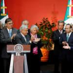 AMLO dice frente a EPN que echará abajo la Reforma Educativa, con todo