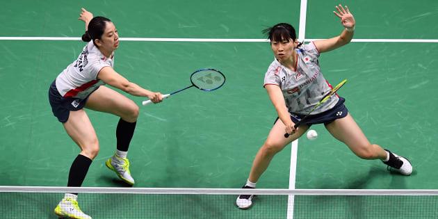 写真は準決勝を戦う永原和可那選手(左)と松本麻佑選手(右)