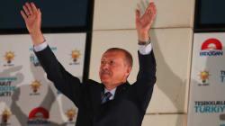 La vittoria di Erdogan conferma una società spaccata in