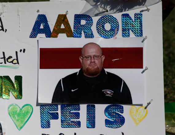 Family of slain Fla. coach to assist at NFL Draft