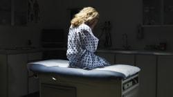 Abusava delle pazienti, arrestato un cardiologo a Urbino. Tra le vittime una