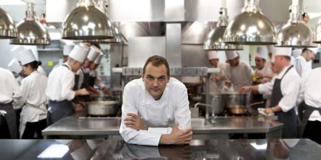 Daniel Humm, dirigeant de l'Eleven Madison Park, dans la cuisine du meilleur restaurant du monde.